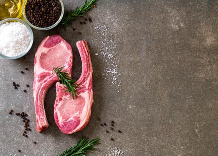fresh pork chop raw with ingredient Zdjęcie Seryjne