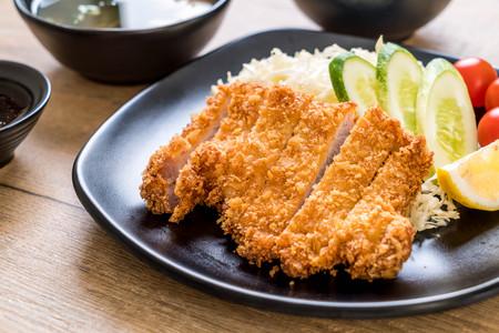 Japanese deep fried pork cutlet (tonkatsu set) - Japanese food style Archivio Fotografico