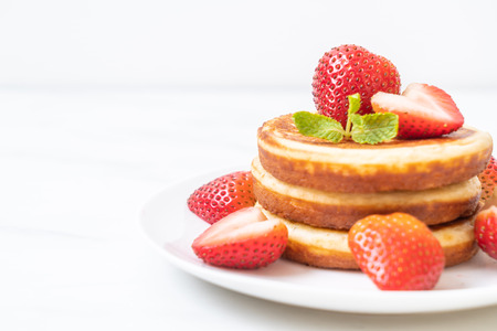 souffle pancake with fresh strawberries