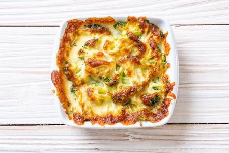 coliflor al horno y brócoli gratinado con queso