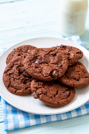 dark chocolate cookies with chocolate chips
