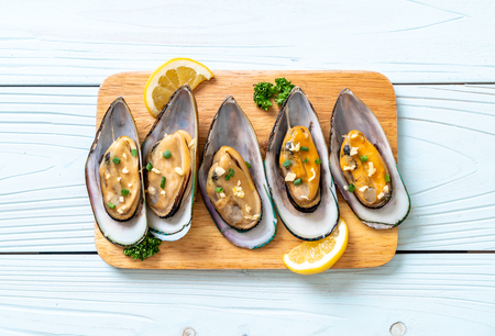 seafood mussels with lemon and garlic Banque d'images