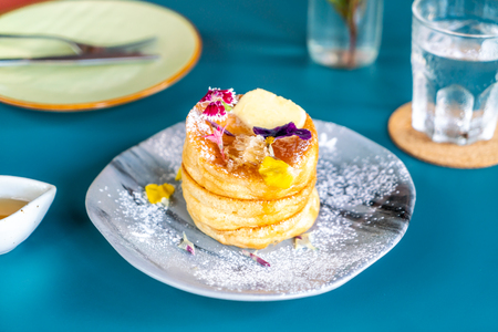 souffle pancake with honey and butter