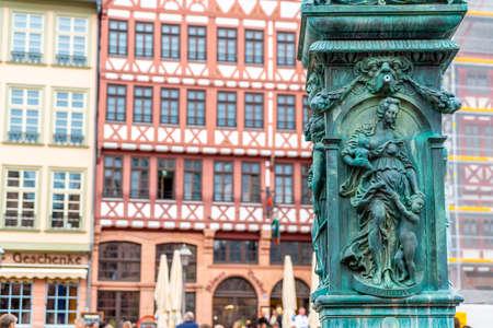beautiful old town square romerberg with Justitia statue in Frankfurt Germany Standard-Bild