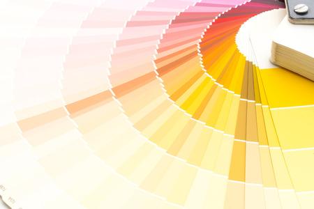 catalogue d'échantillons de couleurs ou livre d'échantillons de couleurs