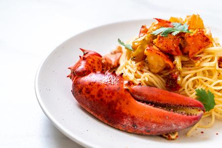 Pasta all'astice oder Hummer-Spaghetti - italienisches Essen