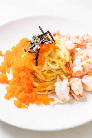 spaghetti creamy with shrimps and shrimp eggs - fusion food style