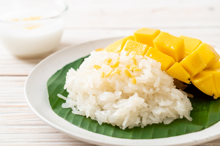mango with sticky rice - popular traditional dessert of Thailand Stock Photo
