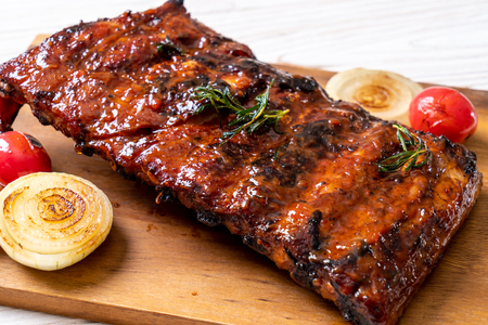 grilled and barbecue ribs pork Foto de archivo