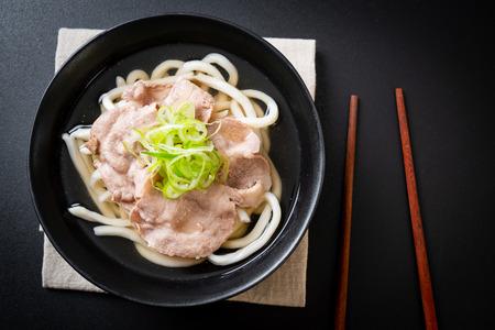udon ramen noodle con maiale (Shio Ramen) - stile cibo giapponese