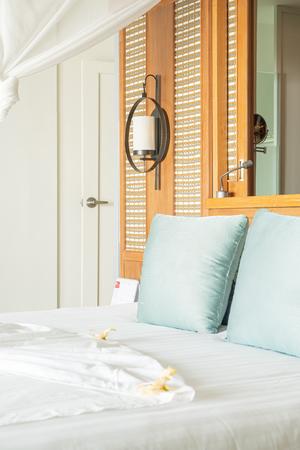 hotel resort e isola tropicale delle Maldive con spiaggia e mare per il concetto di vacanza in vacanza: migliora lo stile di elaborazione del colore