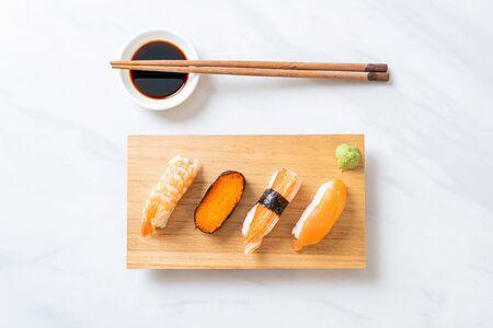 mix sushi set - Japanese food style Reklamní fotografie - 124895067