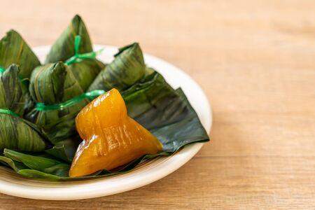 Zongzi或繁体中文糯米饺子 - 亚洲食品风格