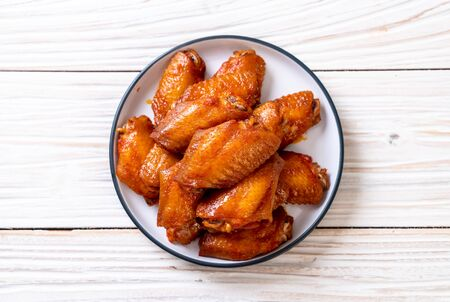 barbecue chicken wings with sauce