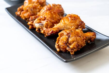 fried chicken with sauce in Korean style Banco de Imagens - 127061988