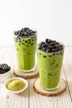 matcha green tea latte with bubble