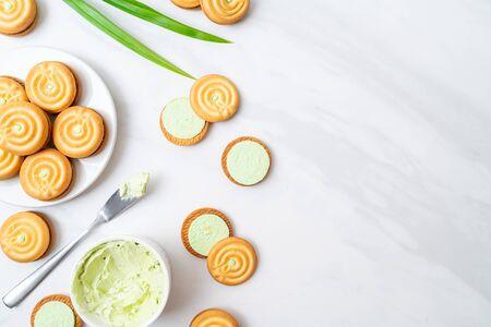 cookies with pandan and milk cream Stock Photo - 134273181