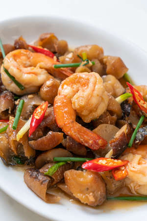 Stir-Fried Braised Sea Cucumber with Shrimps - Asian food style Archivio Fotografico