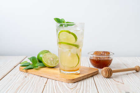 iced honey and lime soda with mint - refreshing drink Stock fotó