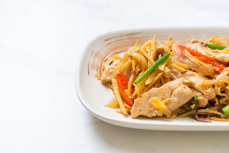stir-fried chicken with ginger - Asian food style Stockfoto - 158047695