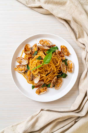 Stir Fried Spaghetti with Clams and Garlic and Chilli - Fusion food style