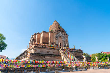Wat Chedi Luang Varavihara - It is a temple with a large pagoda located in the historic temple centre of Chiang Mai, Thailand