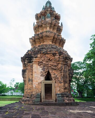 castle rock: Prasat Sikhoraphum ,Castle Rock temple in Surin, Thailand