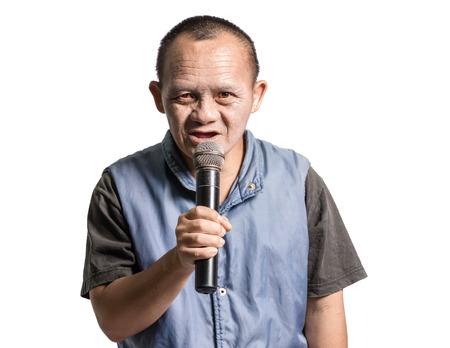 Portrait d'un homme atteint du syndrome de Down. Isolé sur fond blanc
