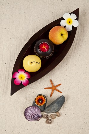 Healthy fruit in the wooden leaf tray