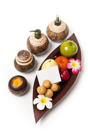 Fruits in the wooden leaf tray with small note
