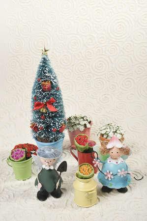 �ngeles en el jard�n de Navidad