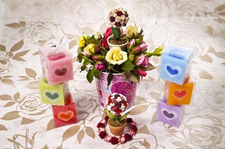bougie coeur: Bougie de coeur color� avec seau de rose