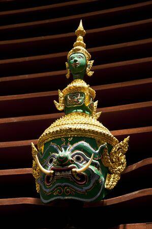 M�scara gigante de baile tailand�s