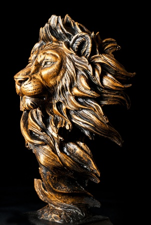 lion head: Head of Lion statue
