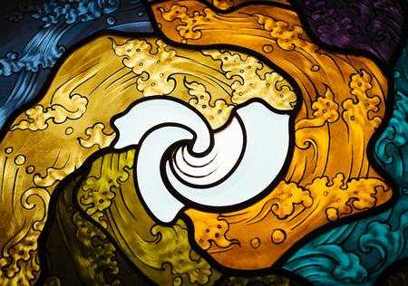 abstrakte muster: Buntglasfenster mit Thai-Kunst-Muster Wellenmuster