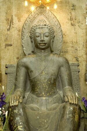 Ancient green stone Buddha in Wat Na Phra Mae Ru temple in Ayuttaya historical park, Middle of Thailand  Banco de Imagens