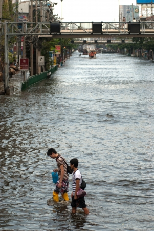 BANGKOK THAILAND � NOVEMBER 11  Scenes from Bangkok during its worst flooding in decades is a major disaster on November 11, 2011 in Bangkok, Thailand   Stock Photo - 16680368