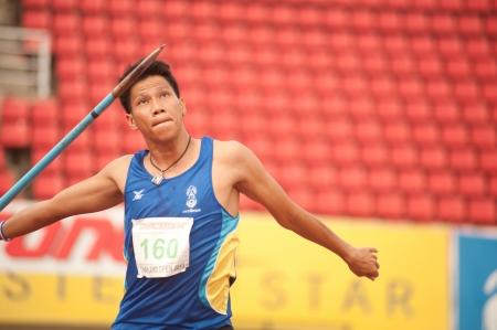 lanzamiento de jabalina: Acci�n jugador lanzamiento de jabalina en Tailandia Open Track y Campeonato de Campo 2013