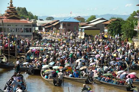 daw: Traffic jam in Phaung Daw Oo Pagoda festival,Myanmar.