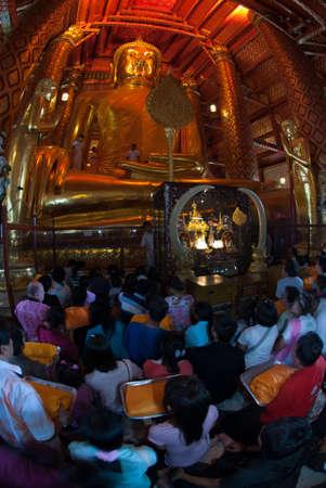 worshiped: The Thai Buddhist peoples are worshiped Luang Pho Tho in Wat Phanan Choeng,Ayutthaya,Thailand. Editorial