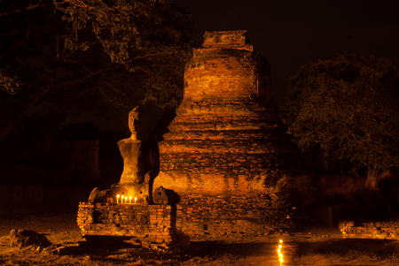 phra nakhon si ayutthaya: Night Scene of Ayutthaya Historical Park, Phra Nakhon Si Ayutthaya, Ayutthaya , Thailand.