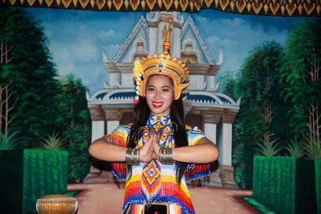 Thai Pretty woman posing in Classical Thai tune Monohra is a type of dance drama originating in Southern Thailand. 版權商用圖片
