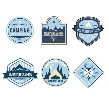 Set of vintage outdoor camp badges and emblems Vektorové ilustrace