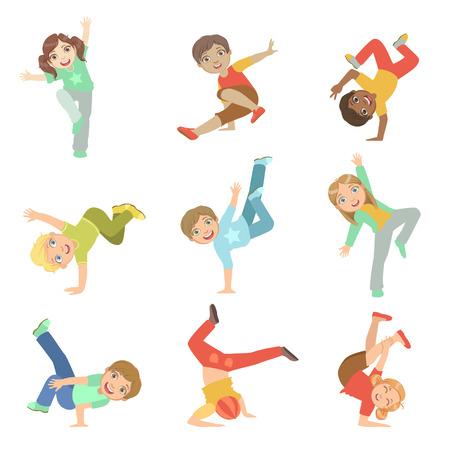 baile hip hop: Niños escénicas de danza moderna conjunto de caracteres grandes ojos lindos plana del vector Aislado Ilustraciones sobre fondo blanco