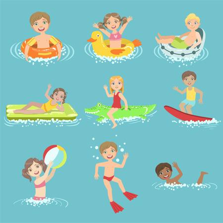 Niños jugando en el agua Conjunto De Diseño simple de las ilustraciones en estilo de dibujos animados lindo divertido aislados en fondo blanco Ilustración de vector