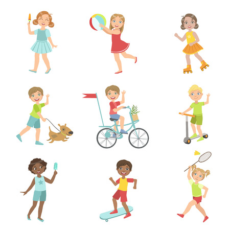niños en bicicleta: Actividades al aire libre niños Conjunto De Diseño simple de las ilustraciones en estilo de dibujos animados de la diversión linda aislados sobre fondo blanco