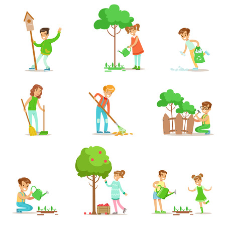 Children Helping In Eco-Friendly Gardening, Collecting Fruit, Cleaning Up Outdoors, Recycling The Garbage And Watering Sprouts Vettoriali