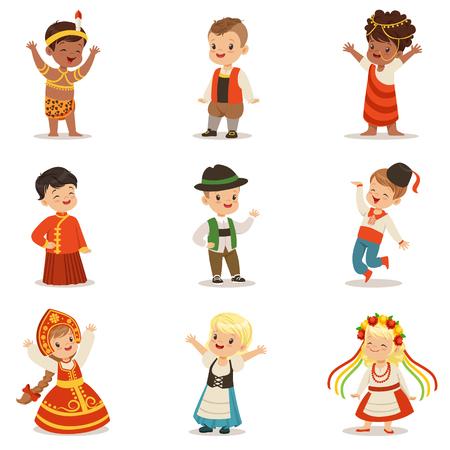 Bambini che indossano costumi nazionali di diversi paesi Set di ragazzi e ragazze carine in abiti che rappresentano la nazionalità