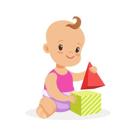 달콤한 아기 앉아서 장난감 큐브, 다채로운 만화 문자 벡터 일러스트와 함께 연주 웃는 아기