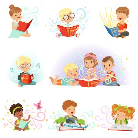 사랑 스럽다 작은 소년과 소녀 앉아서 동화를 읽고 설정합니다. 키즈 멋진 상상력 벡터 일러스트